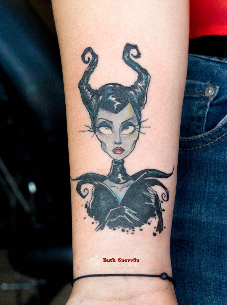 tatuaje malefica, disney tattoo, Ruth Cuervilu Tattoo - KM13 Studio, estudio tatuajes bilbao, erandio tattoos, tatuaje leioa