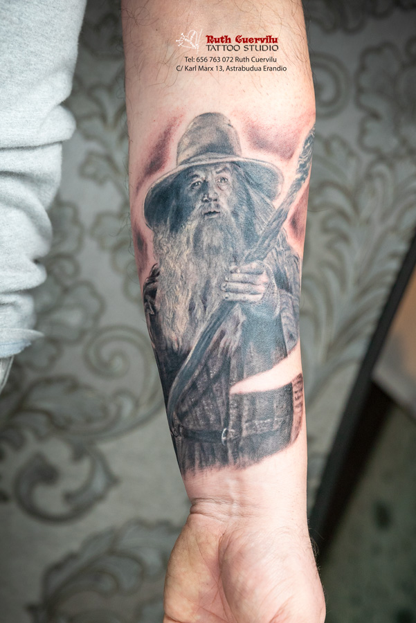 Ruth Cuervilu Tattoo - KM13 Studio - Gandalf, El señor de los anillos, lord of the ring