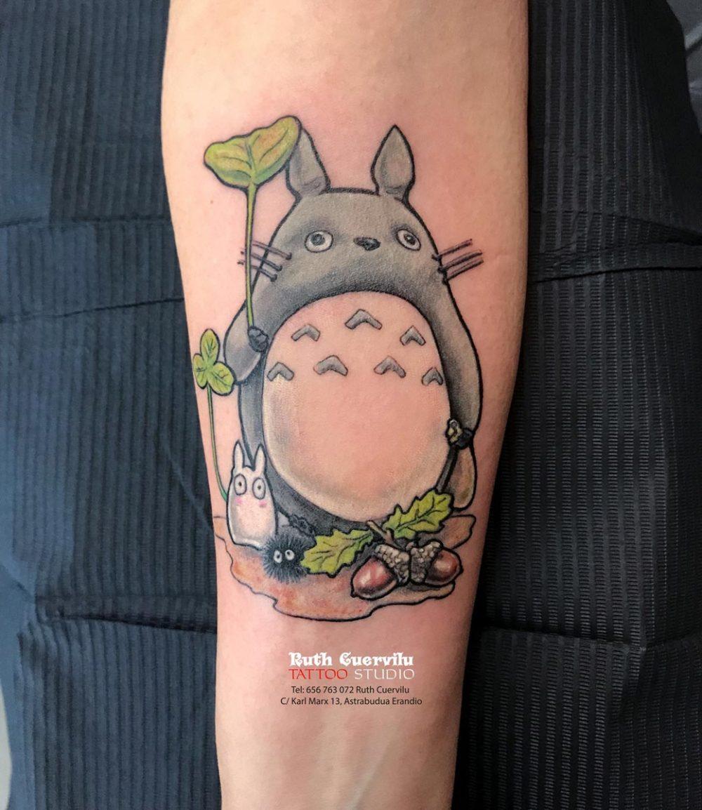 tattoo TOTORO - Ruth Cuervilu Tattoo - KM13 Studio, estudio tatuajes Leioa