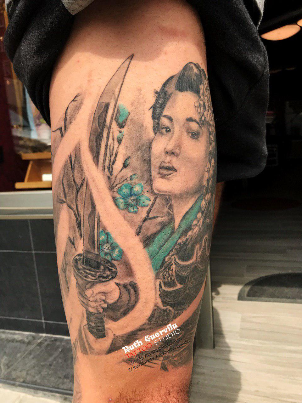 tattoo geisha espada - ruth cuervilu tattoo - KM13 Studio, Astrabudua, erandio Bizkaia
