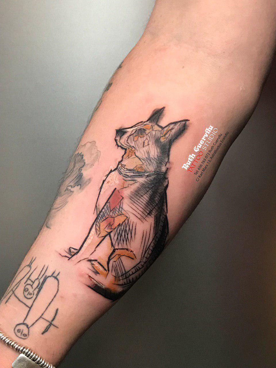 Tatuaje Perro - diseño propio - Ruth Cuervilu Tattoo - KM13 Studio