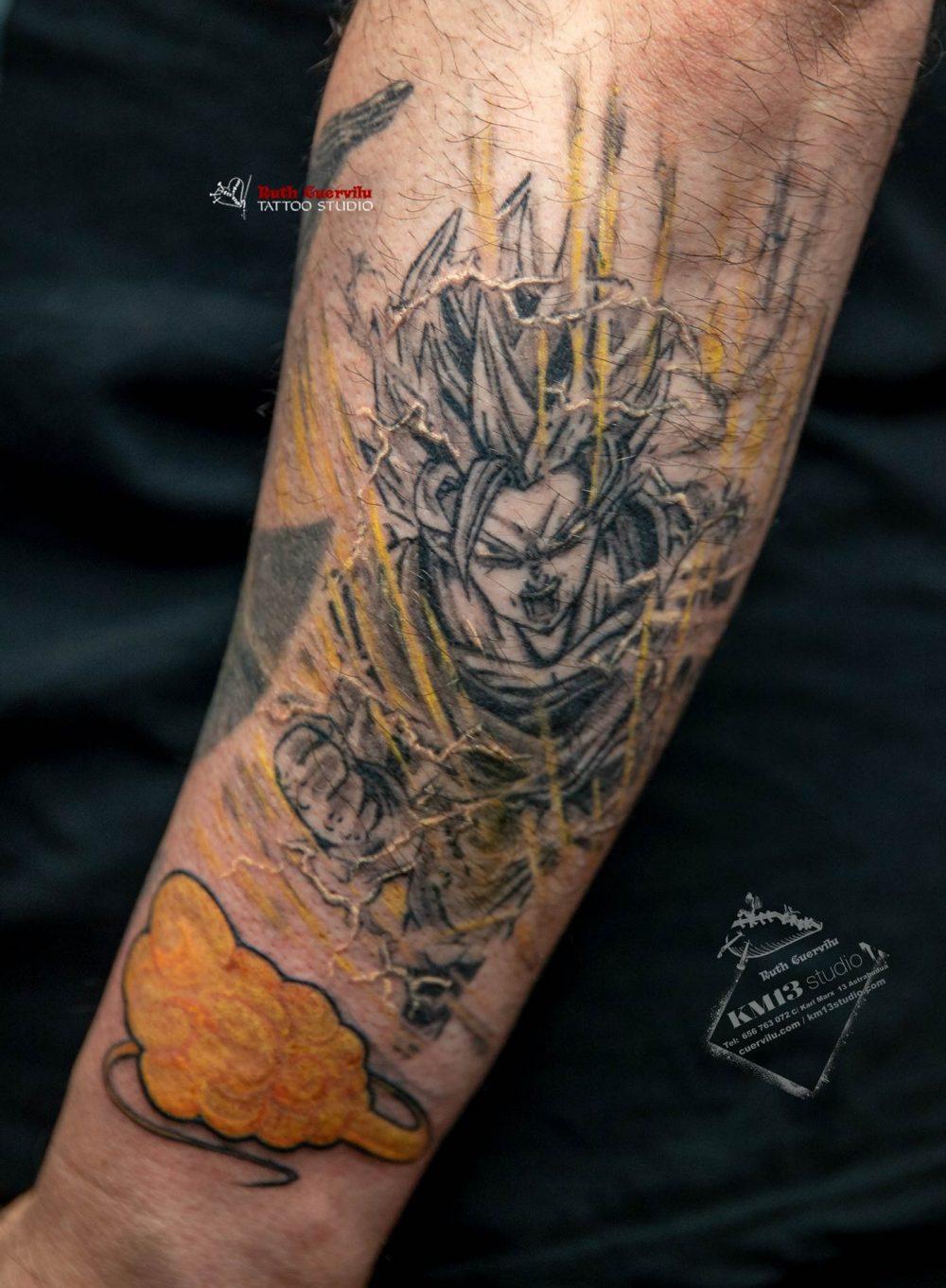 Tatuaje Goku y nube Kington - Ruth Cuervilu Tattoo - KM13 Studio - Estudio de tatuajes en Astrabudua Erandio bizkaia bilbao