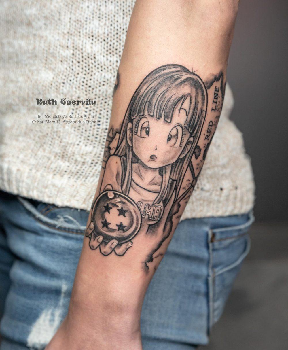 Tatuaje Bulma Dragon Ball - Ruth Cuervilu Tattoo - KM13 Studio - Estudio de tatuajes Astrabudua Erandio Bizkaia Bilbao Barakaldo Getxo Leioa Gasteiz