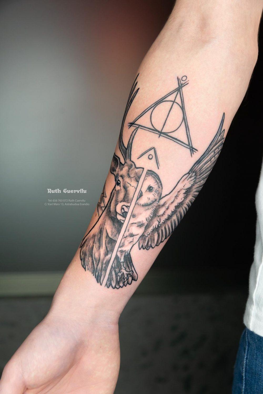 Tatuaje Harry Potter Ciervo y Buho - Ruth Cuervilu Tattoo - KM13 Studio - Estudio de tatuajes Astrabudua Erandio Bizkaia Bilbao Barakaldo Getxo Leioa Gasteiz Donostia