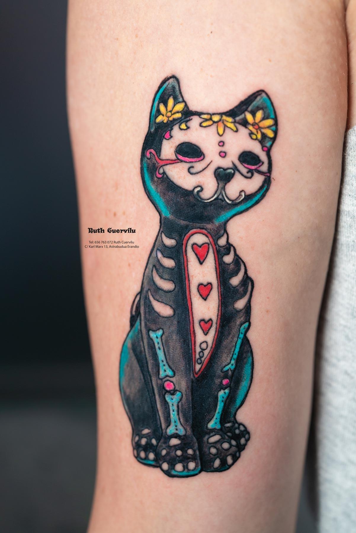 Tatuaje Gatos Catrina Aizea - Ruth Cuervilu Tattoo - KM13 Studio - Estudio de tatuajes en Astrabudua Erandio Getxo, Bilbao Bizkaia Basauri barakaldo portugalete leioa