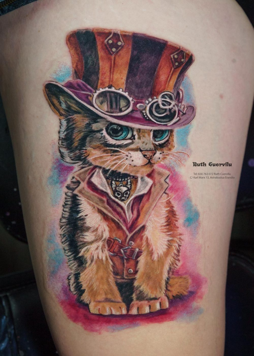 Tatuaje Gato Steampunk - Ruth Cuervilu Tattoo - KM13 Studio - Estudio de tatuajes en Astrabudua Erandio Getxo, Bilbao Bizkaia Basauri barakaldo portugalete Gasteiz Leioa - Ilustracion de Kajenna Art