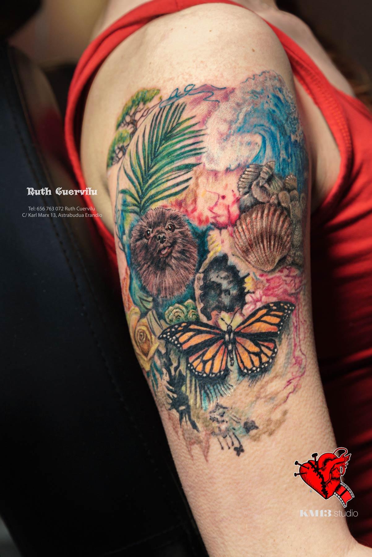 Tatuaje Calavera de colores, mariposa, retrato perro mascota, conchas - Ruth Cuervilu Tattoo - KM13 Studio - estudio de tatuajes erandio astrabudua bilbao bizkaia